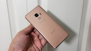 Hands On With the Brand New Galaxy S9 in Sunrise Gold