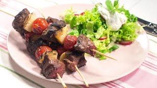 Reteta - Frigarui de miel cu salata asortata | Bucataras TV