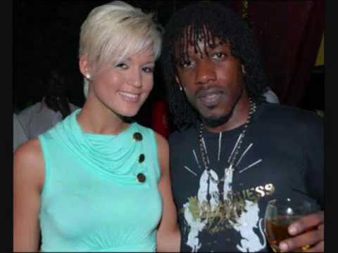 Tami Chynn & Wayne Marshall - Nothing Else - YouTube
