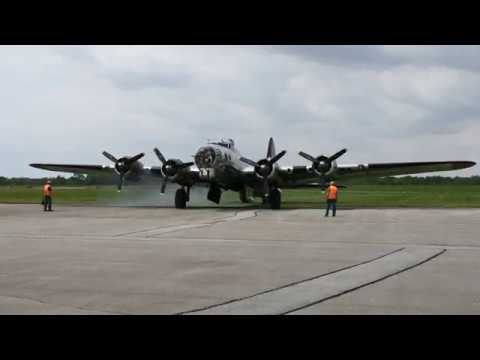 B-17G Yankee Lady starting up her engines