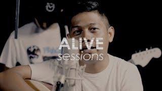 Download lagu Topi Jerami Buktikan Sekali Lagi ALIVE Sessions MP3