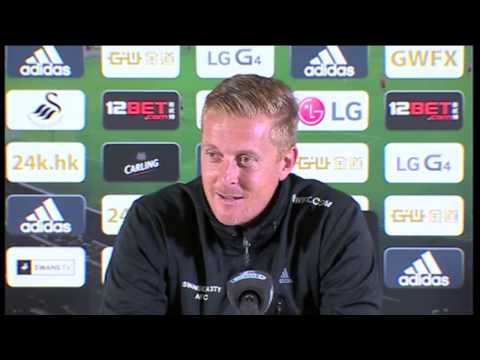 Garry Monk reacts brilliantly to Rio Ferdinand's Tweet about Montero