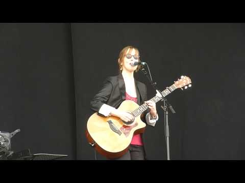 Suzanne Vega - Marlene on the Wall - Live - Isle of Wight Festival - 13th June 2010