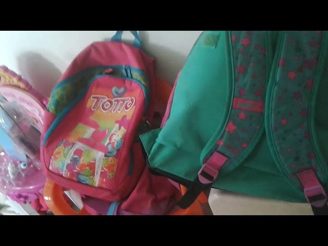 Mis patines y la mochila de travelina