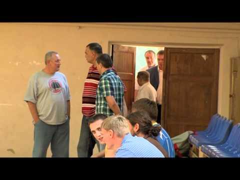 Mike Fratello visits Svyatoshyn training camp in Kyiv.