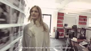 Constance Jablonski: Estée Lauder Modeli'nin Bir Gününden Kareler Thumbnail