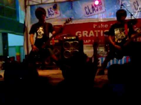 ANTIVIRUS band Live @Luwuk City.mp4