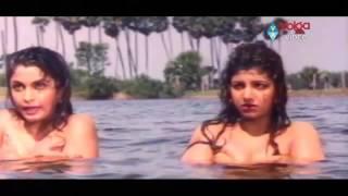 Ramya Krishnan And Rambha Bathing Scene   💋