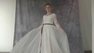 Видеолукбук: пышное безкорсетное свадебное платье с кружевным лифом