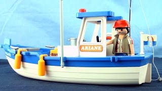 Playmobil Fishing Boat Story - Fisherman catches 3 fish story for kids - Learn to count to 3