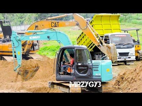 Kobelco SK75 Excavator Dump Truck Bulldozer Working