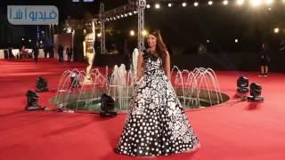 بالفيديو :  إطلالات الفنانات في حفل ختام مهرجان القاهرة السينمائي الدولي