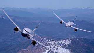 Boeing 787-10 Dreamliner and 737 MAX 9 voam juntos