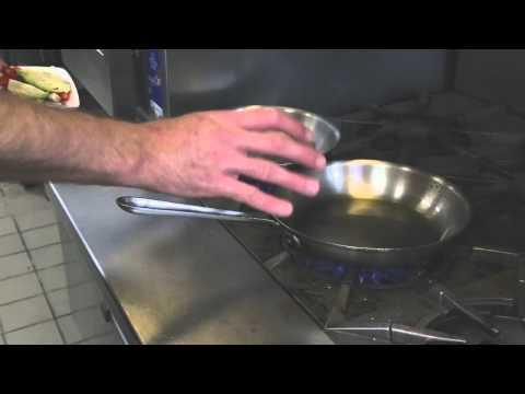 How to Make an Asian-Glazed Ahi Tuna: World Recipes
