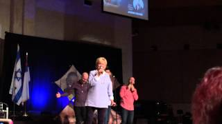 Chonda Pierce - You Make Me Feel Like a Supernatural Woman