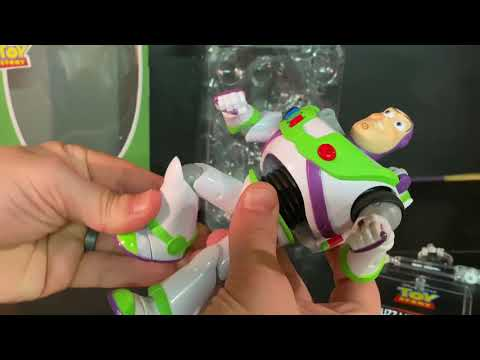 Toy Story - Beast Kingdom: Buzz Lightyear Figure Unboxing/review