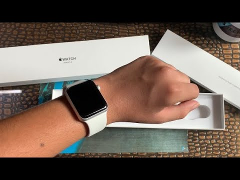 Apple Watch Series 3 Unboxing & Review (Should You Buy In 2019?) (Flipkart Big Billion Days)