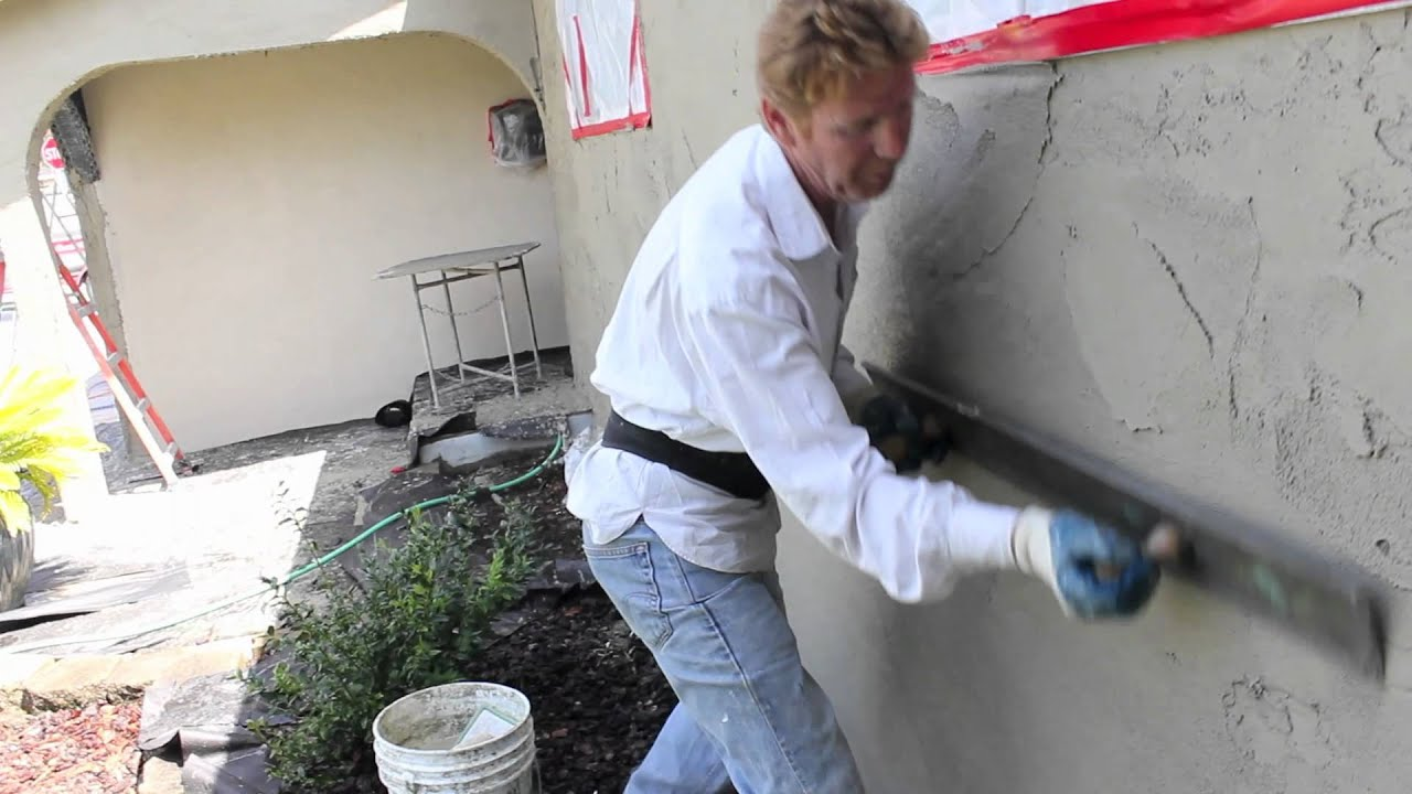 Plastering applications using a Darby rod or straightedge