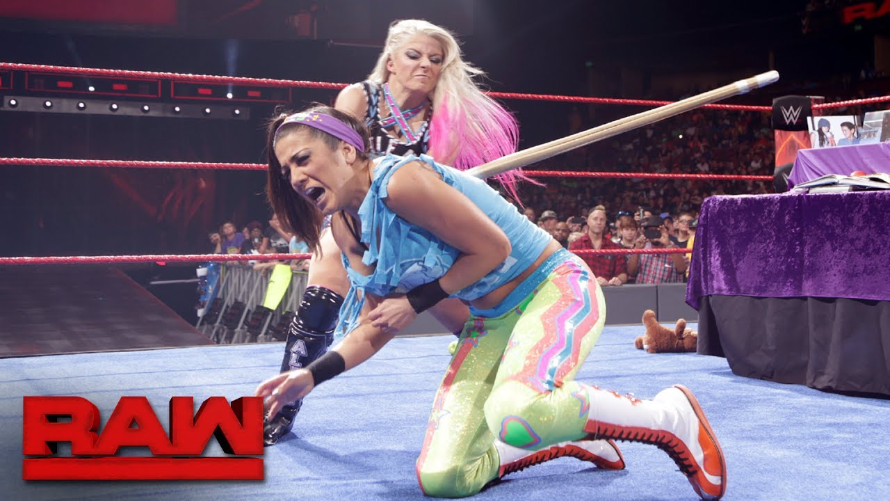Lucha Libre Lesbica Alexa Bliss Takes Bayley On A Painful Trip Down Memory Lane Raw May 29 2017