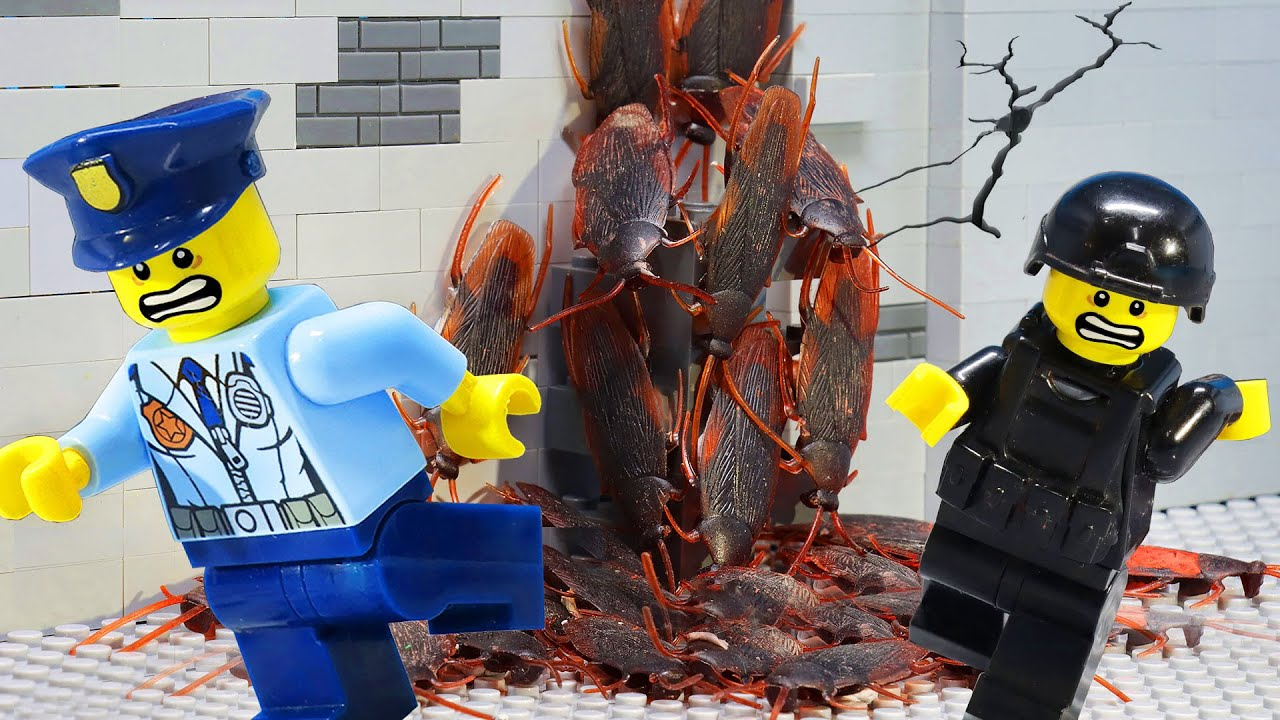 Lego City: Giant Cockroaches Attack Human - Lego Stop Motion