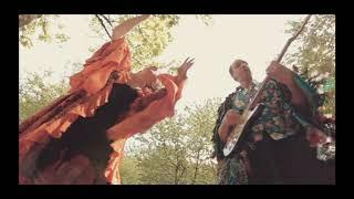 Dans ma petite boîte à musique de Bastoon et Babouschka - Le clip