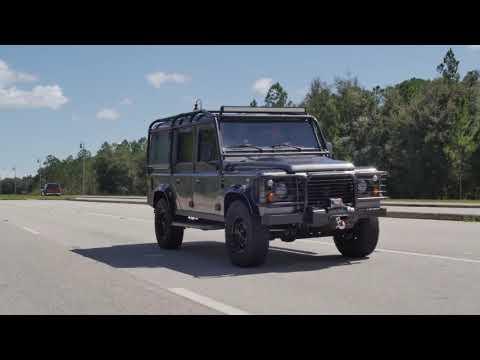 Peacemaker E.C.D Land Rover Defender 110 Diesel Restomod - Video 2019
