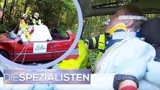 Mann im Auto eingequetscht: Feuerwehr nimmt Autodach ab! | Oliver Dreier | Die Spezialisten | SAT.1