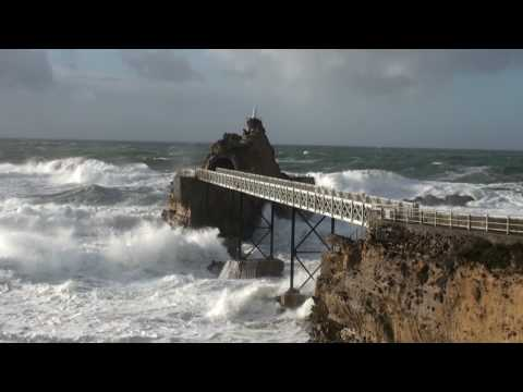 Biarritz - Rocher de la vierge tempête samedi 24 janvier 2009 - Full HD