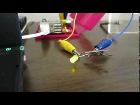 RaspberryPi LED Blink (C + wiringPi) - YouTube