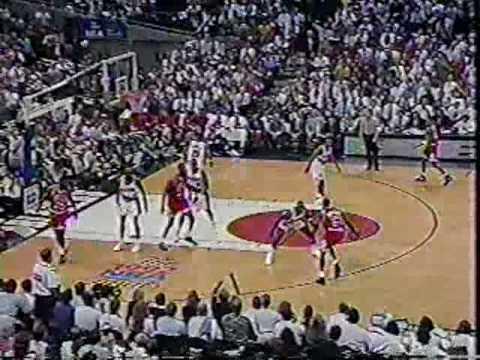 Bulls vs Blazers 1992 Finals - Game 4 - Michael Jordan 32 points