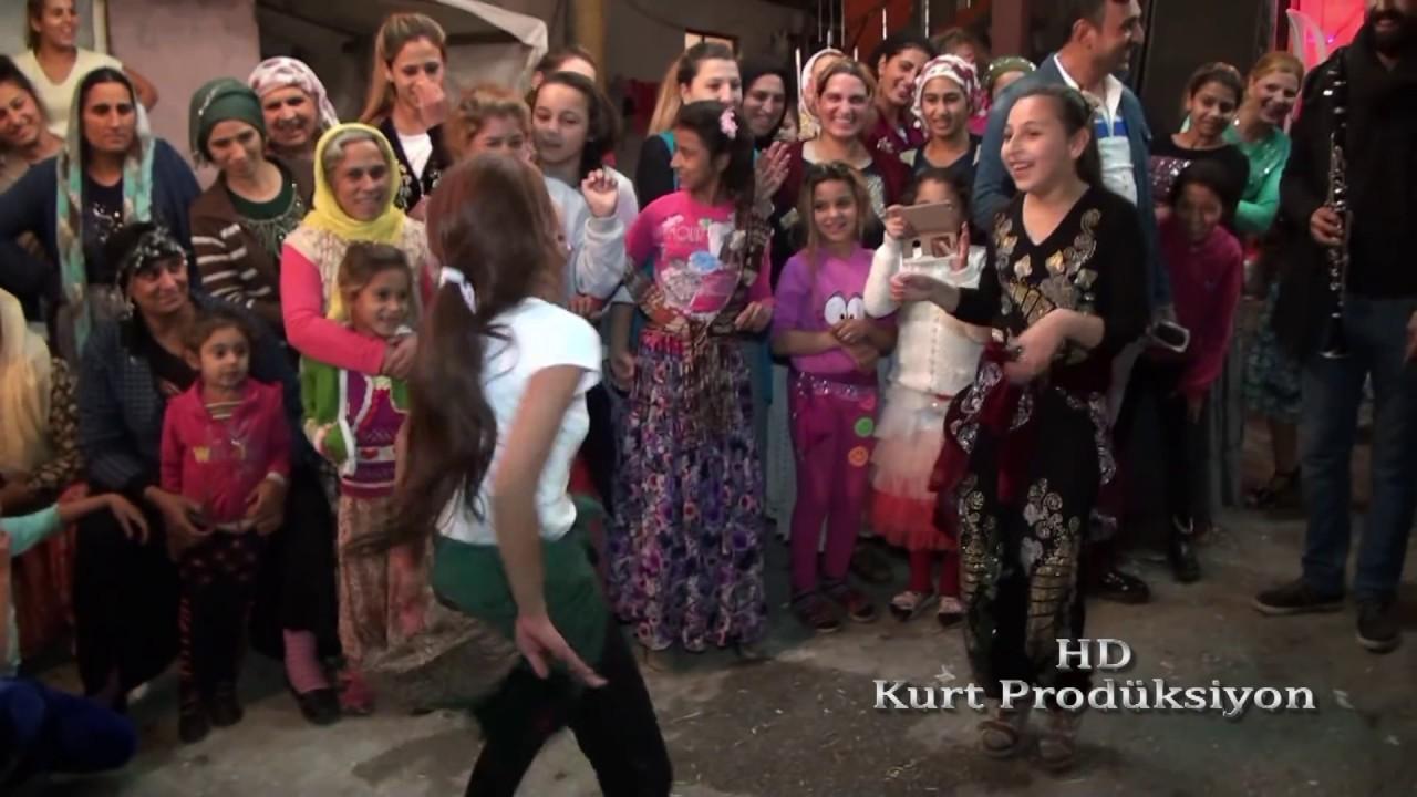 ROMAN HAVASI SEVENLER: ROMAN KIZI BÖYLE OYNAR SHOW :  Kurt Prodüksiyon