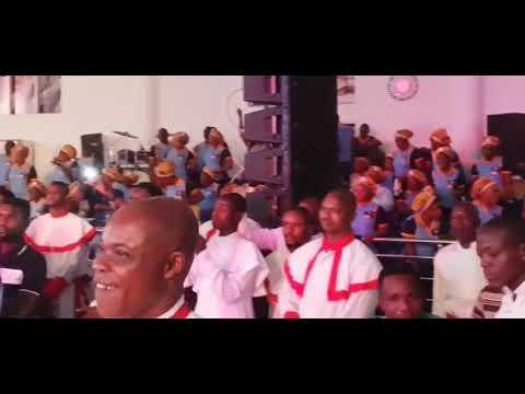 Download Mega 's Performance @ Remi Awode fine Coat) Father's Wake keep Concert