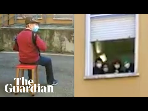 Army veteran, 81, serenades wife at hospital window in Italy due to Covid rules