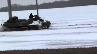 На рыбалку на танках.avi