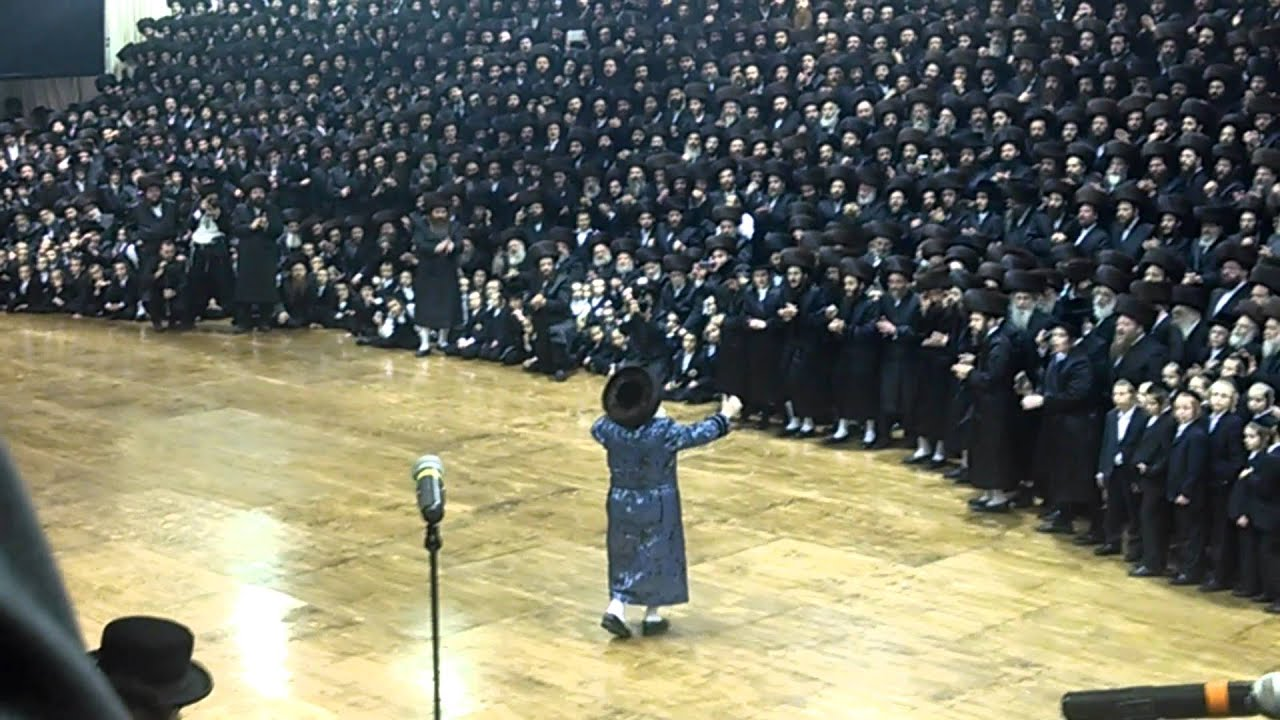 Bobov Rebbe Mitzvah Tantz Shvat 5774 - 2014