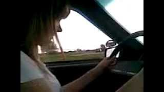 Девушка учится вождению.3gp