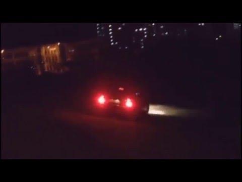 «Приора» едет по льду Михайловского пруда в Зеленограде