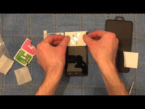 Как наклеить защитное стекло на телефон в домашних условиях видео
