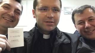 """Arhiepiscopia Romano Catolica de Bucuresti  si Asociatia Medicilor Catolici  au lansat initiativa de donare de sange.  Inainte sa ii indemnam pe enoriasi,  cativa  preotii catolici din Bucuresti  cu """""""
