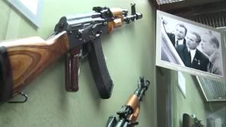 29 10 14 Музей Калашникова, выставка к 95-летию оружейника