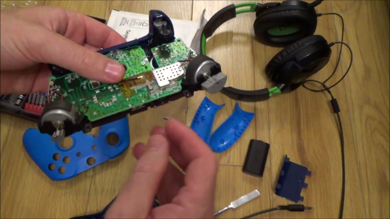 how to replace a faulty headphone jack on a xbox one controller [ 1280 x 720 Pixel ]