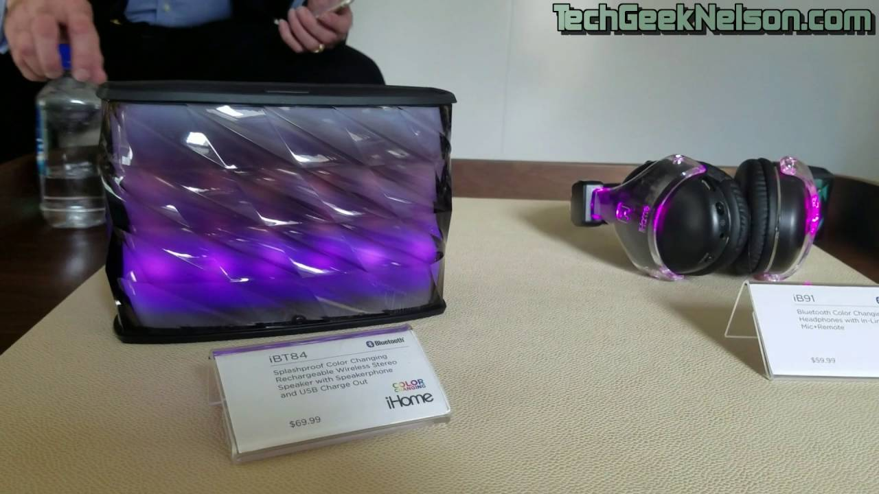 Color changing speakers from iHome by Nelson Torres