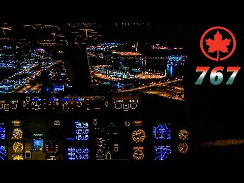 Piloting the BOEING 767-300 into Vancouver