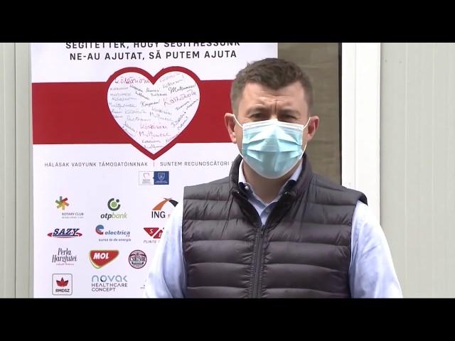 142. Újabb adományt, egy steril fülkét vehetett át ma a Csíkszeredai Megyei Sürgősségi Kórház