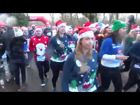 Foute Kersttrui Amsterdam.Ugly Sweater Run 2017 Vondelpark Amsterdam Youtube