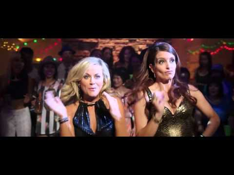 Tina Fey and Amy Poehler dancing to Informer