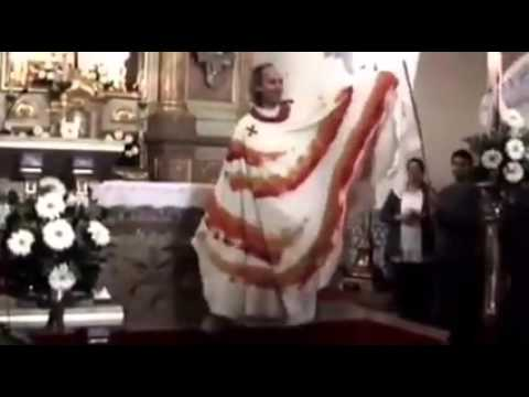Video: sacerdote baila a lo Lady Gaga