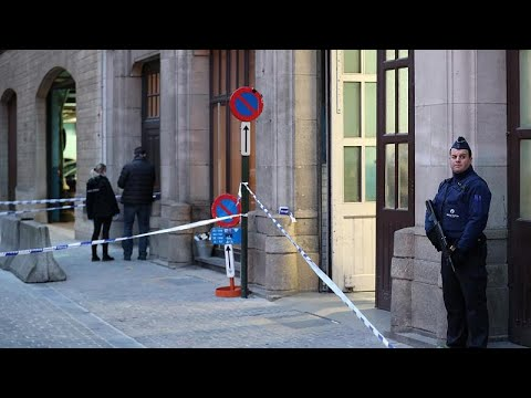 طعن رجل شرطة وسط بروكسل والدافع مجهول  - نشر قبل 3 ساعة