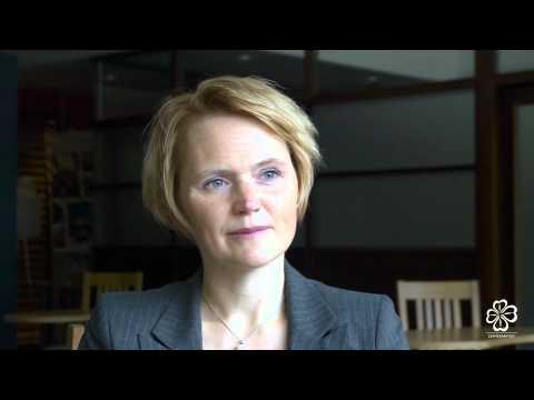 Anna-Karin Hatt (C) It -regionminister.Intervjuas i Åre. Centerpartiet partistämma 2011