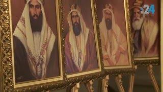 """في مهرجان """"أم الإمارات"""".. عبد القادر السعدي يحكي قصة البلاد من خلال رسومات حكامها"""